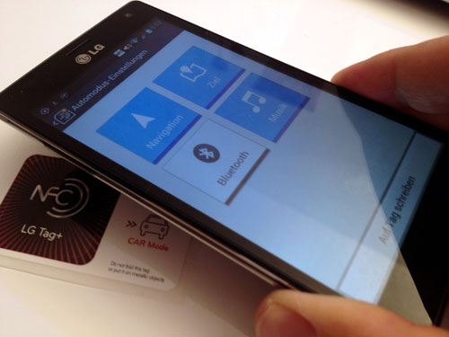 00-7-think-smartphone-10-nfc